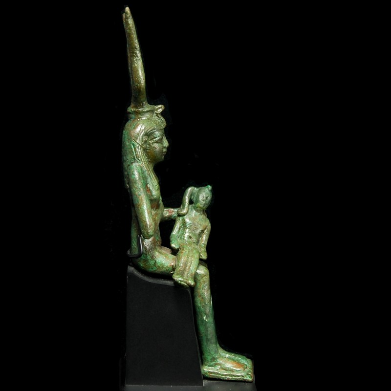 Bronze Statuette of Isis with Horus – Christoph Bacher