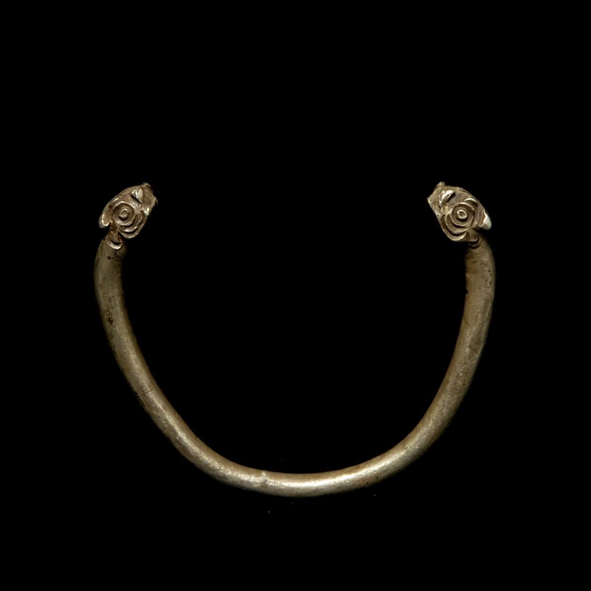 Achaemenid silver bracelet