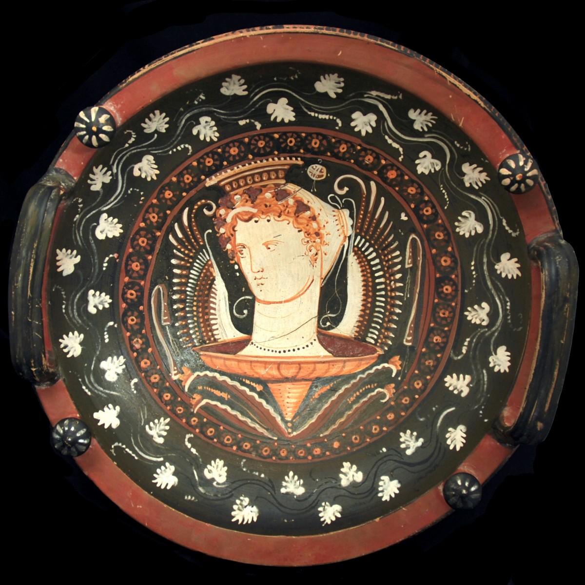 Patera of the White Sakkos Painter