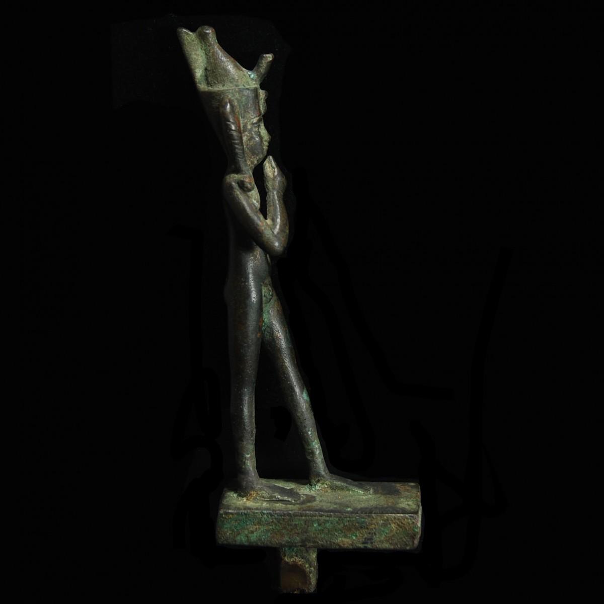 Egyptian Harpocrates right