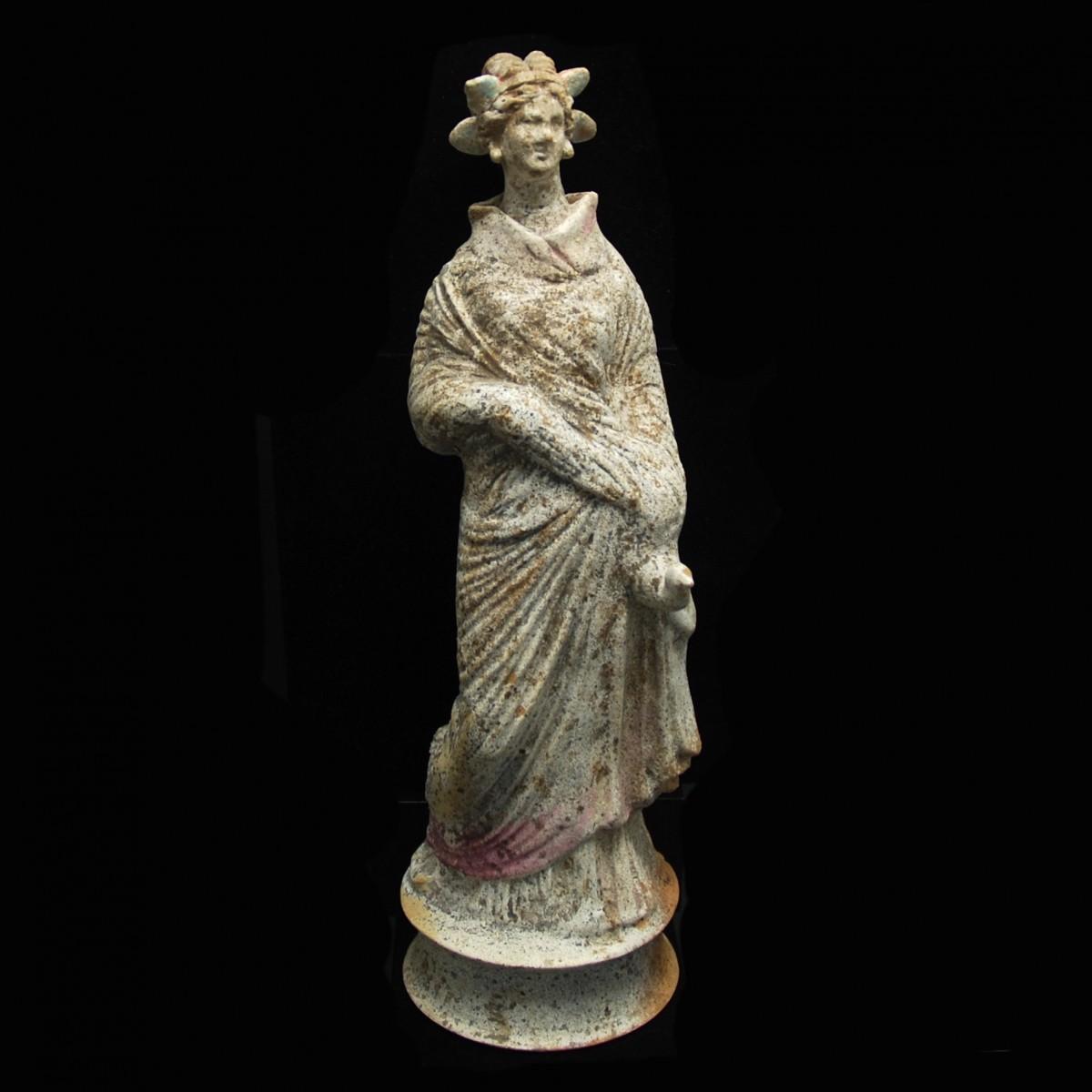 Hellenistic female statuette Canosa
