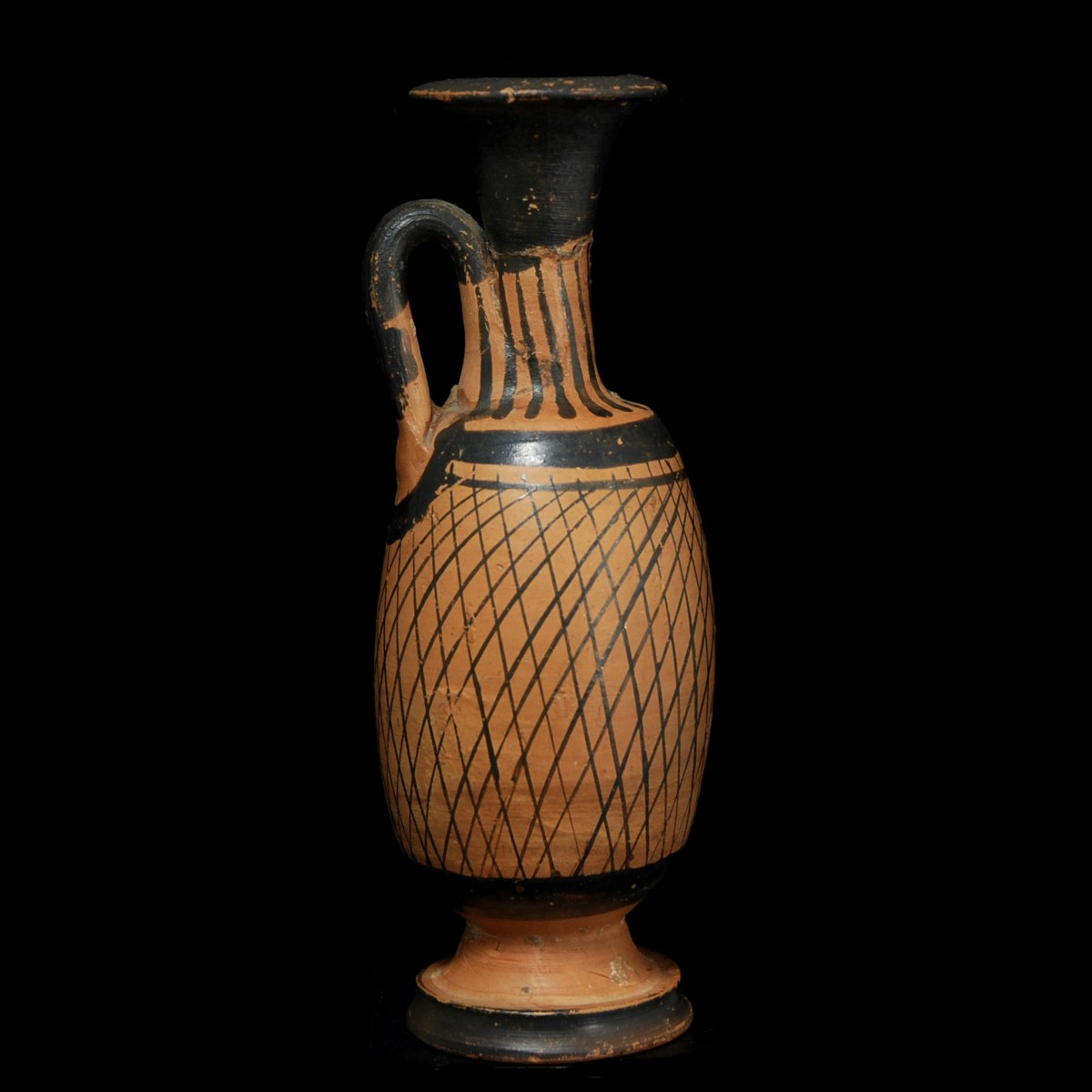 Reticulated lekythos