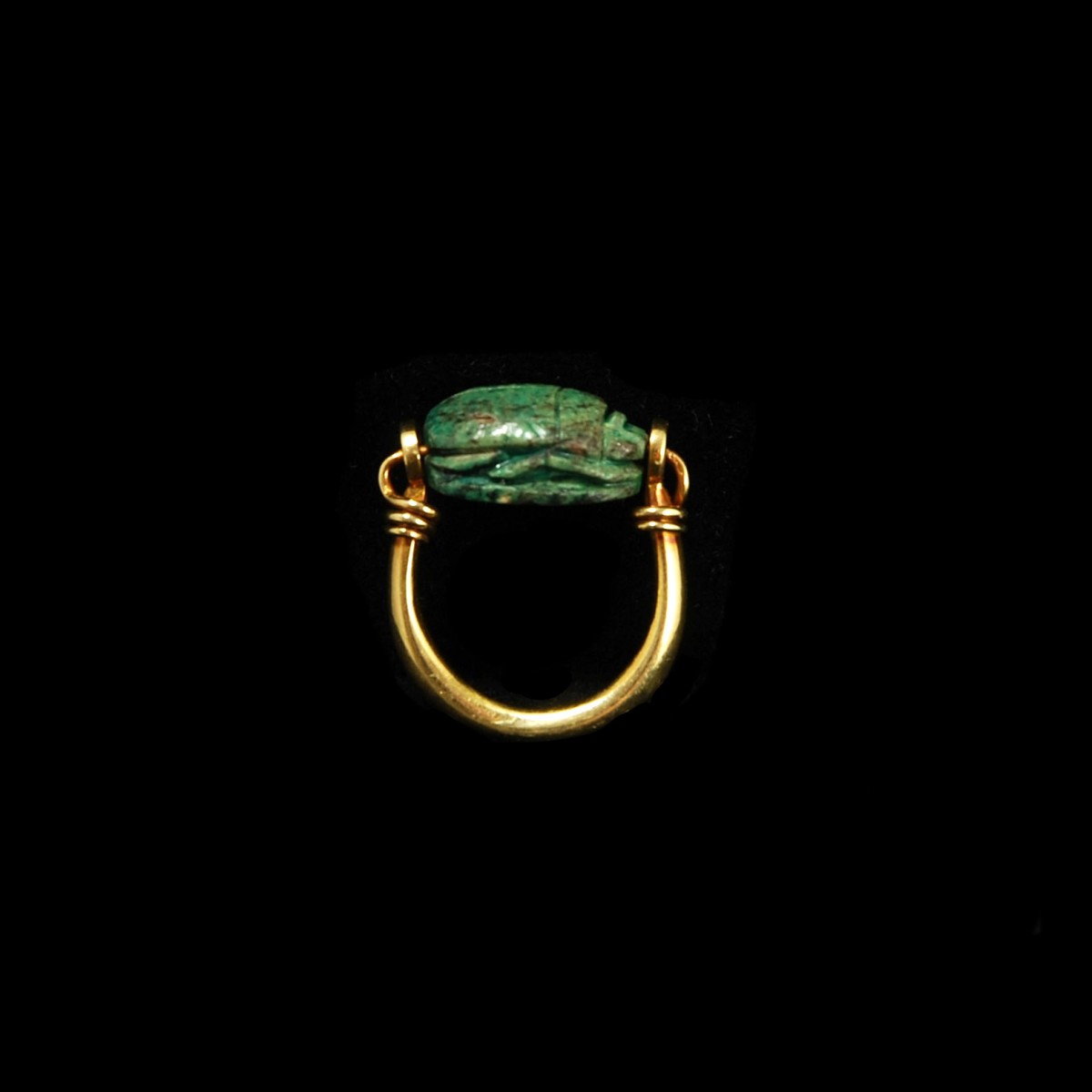 Egyptian Goldring with scarab side