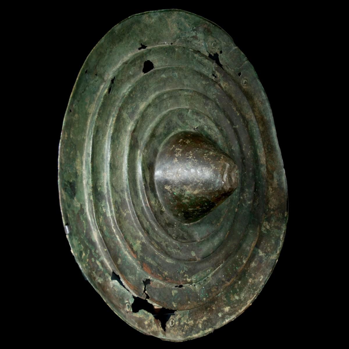 Luristan bronze shield pers.