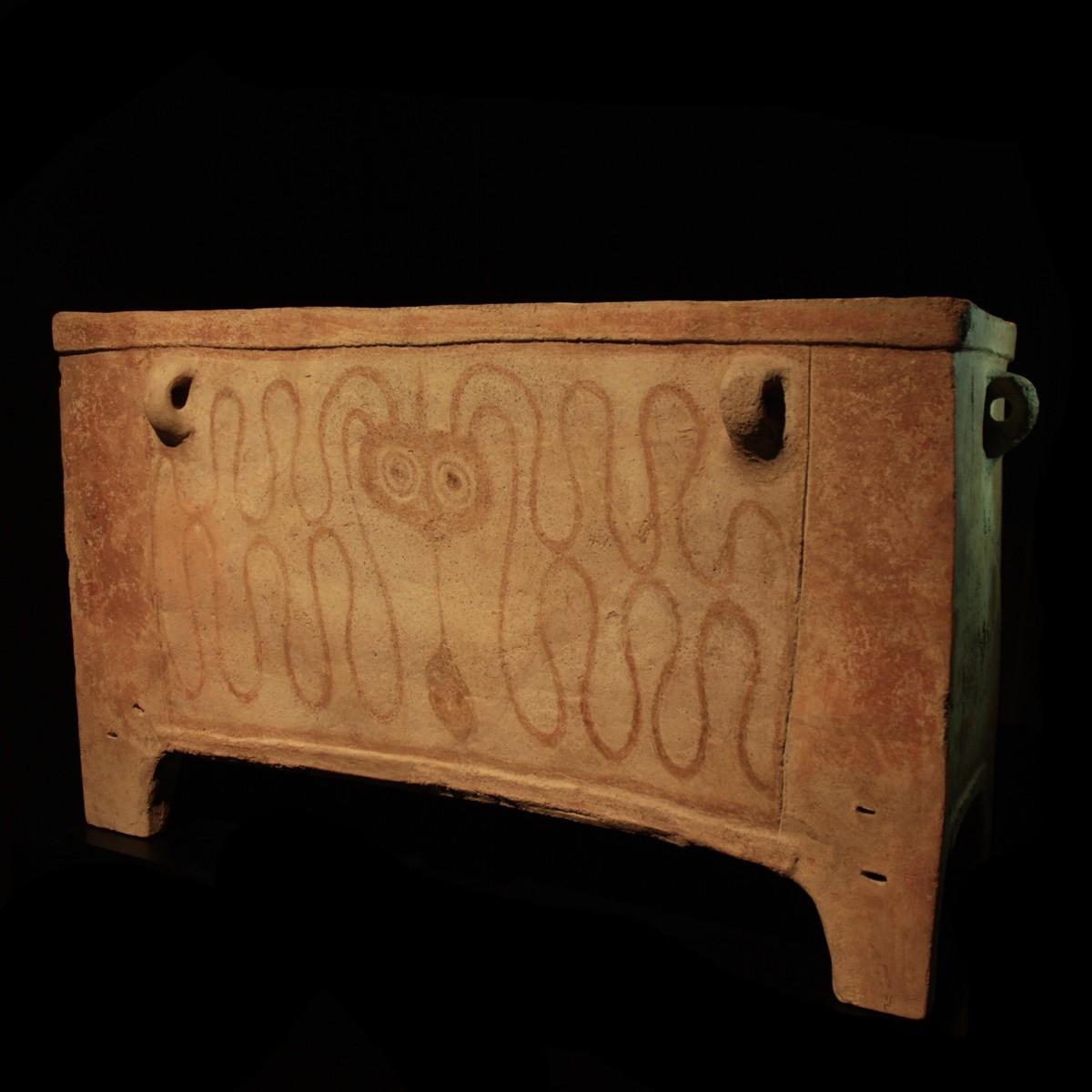 Minoan Larnax pers.