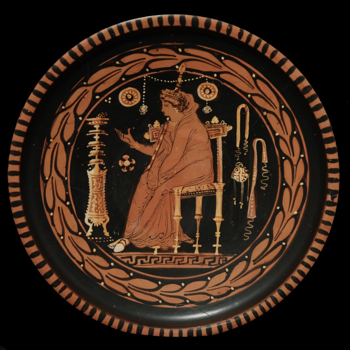 Apulian red figured plate Menzies Group goddess
