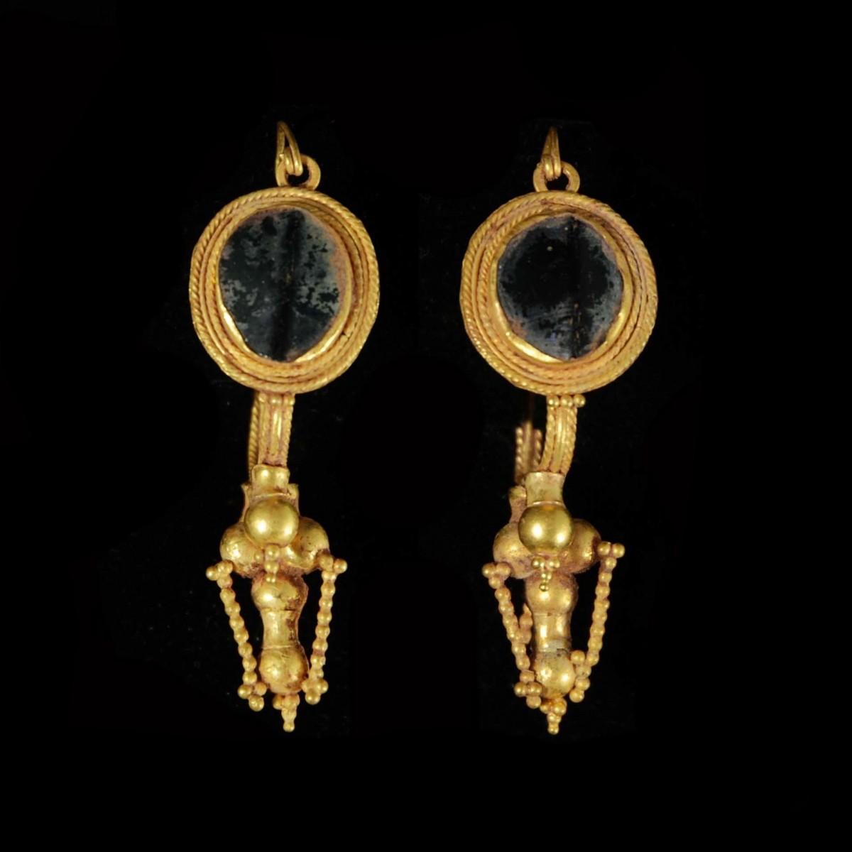 Eastern Roman Gold earrings
