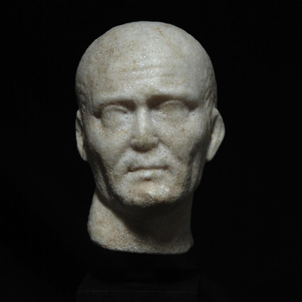 Roman Republican marble head of a noble man