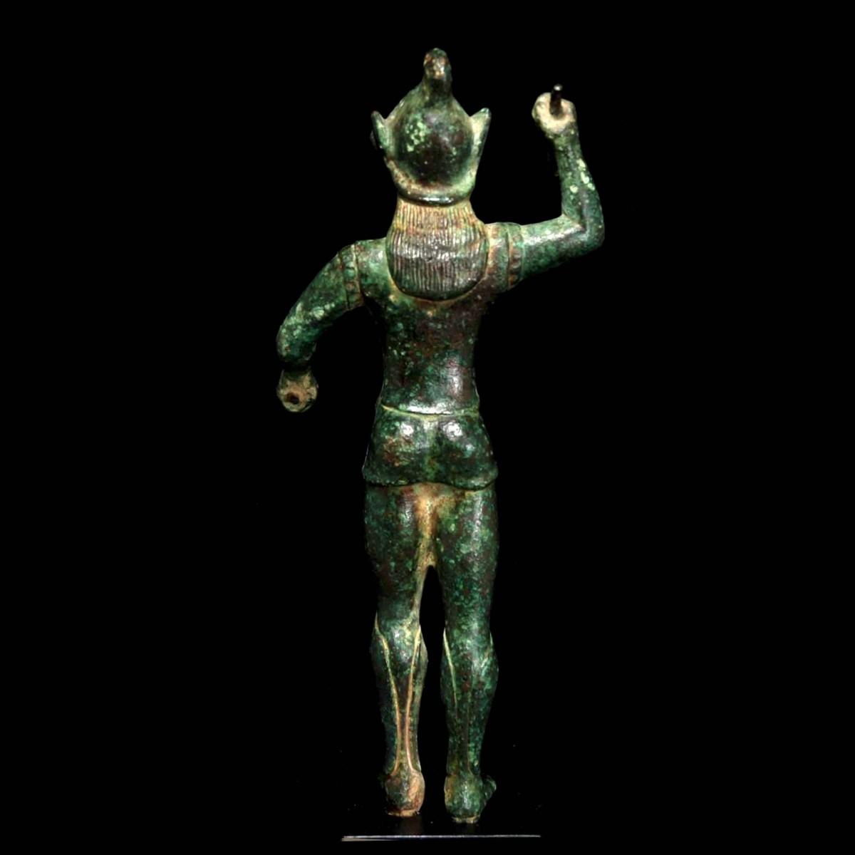 Bronze statuette of an Etruscan warrior back