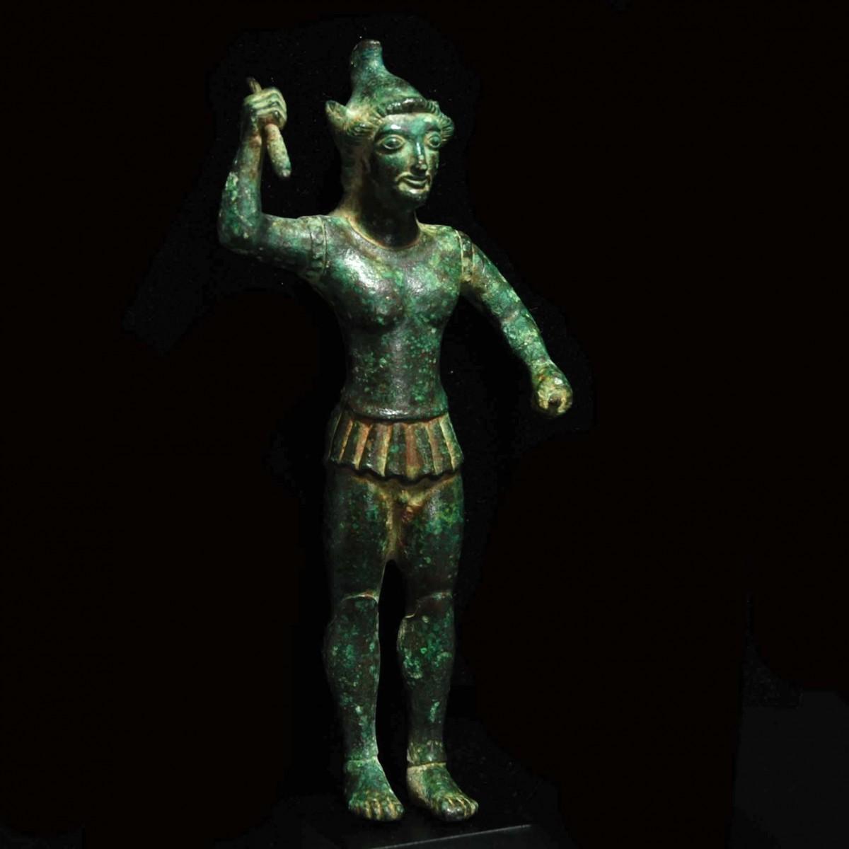 Bronze statuette of an Etruscan warrior half right