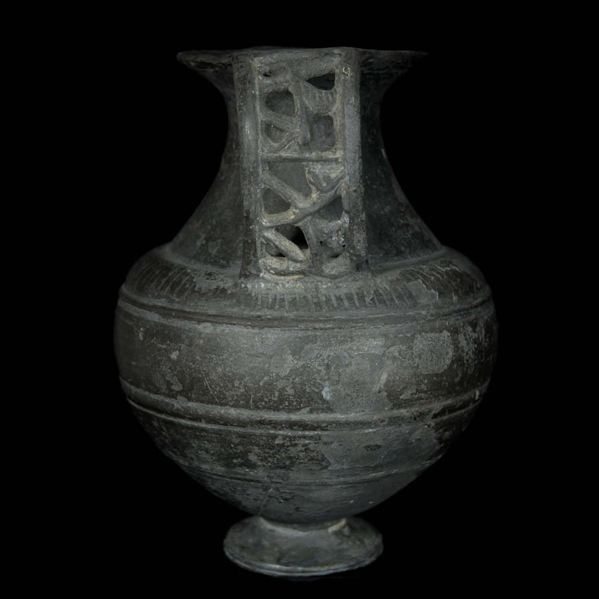 Etruscan Bucchero Ware amphora side